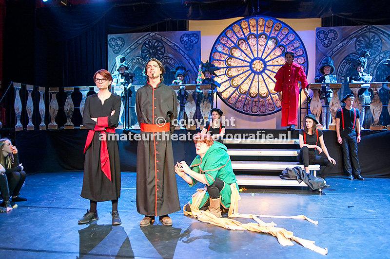 54. De klokkenluider van de ]Notre Dame - D. Mamagaai. 14-02-2016